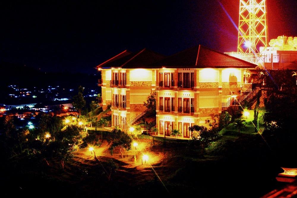 Bukit Randu Hotel & Restaurant