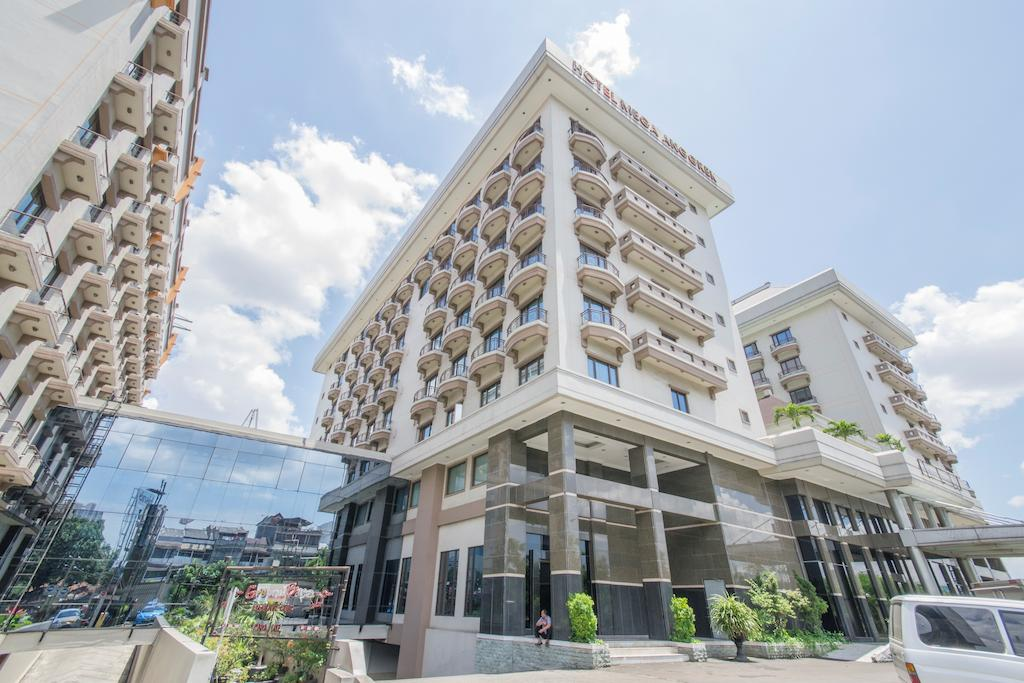 Hotel Mega Anggrek